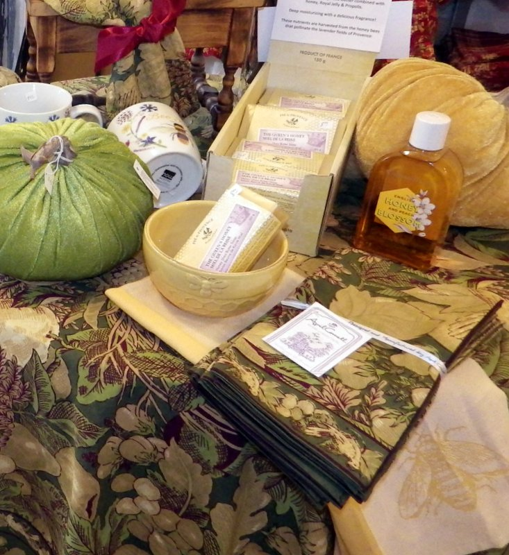Crisp greens and soft yellows play up our favorite Honey soaps from Pre de Provence, France. Linens by April Cornell.